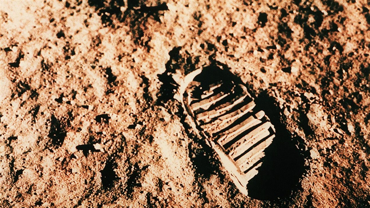 Empreinte de pied sur la Lune