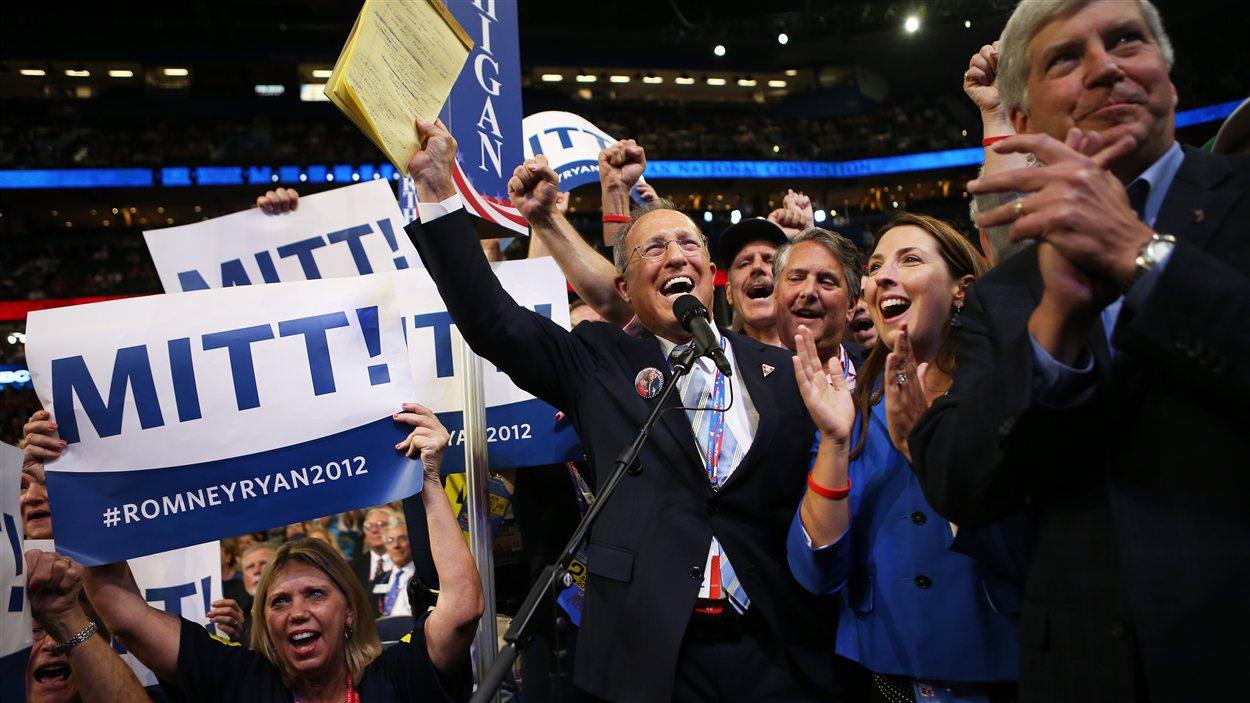 Le frère de Mitt Romney, Scott, s'exprime lors de la convention républicaine, à Tampa, mardi.