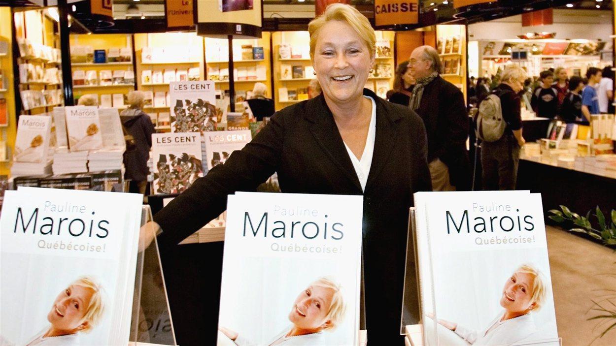 Pauline Marois lance son autobiographie. (2008)