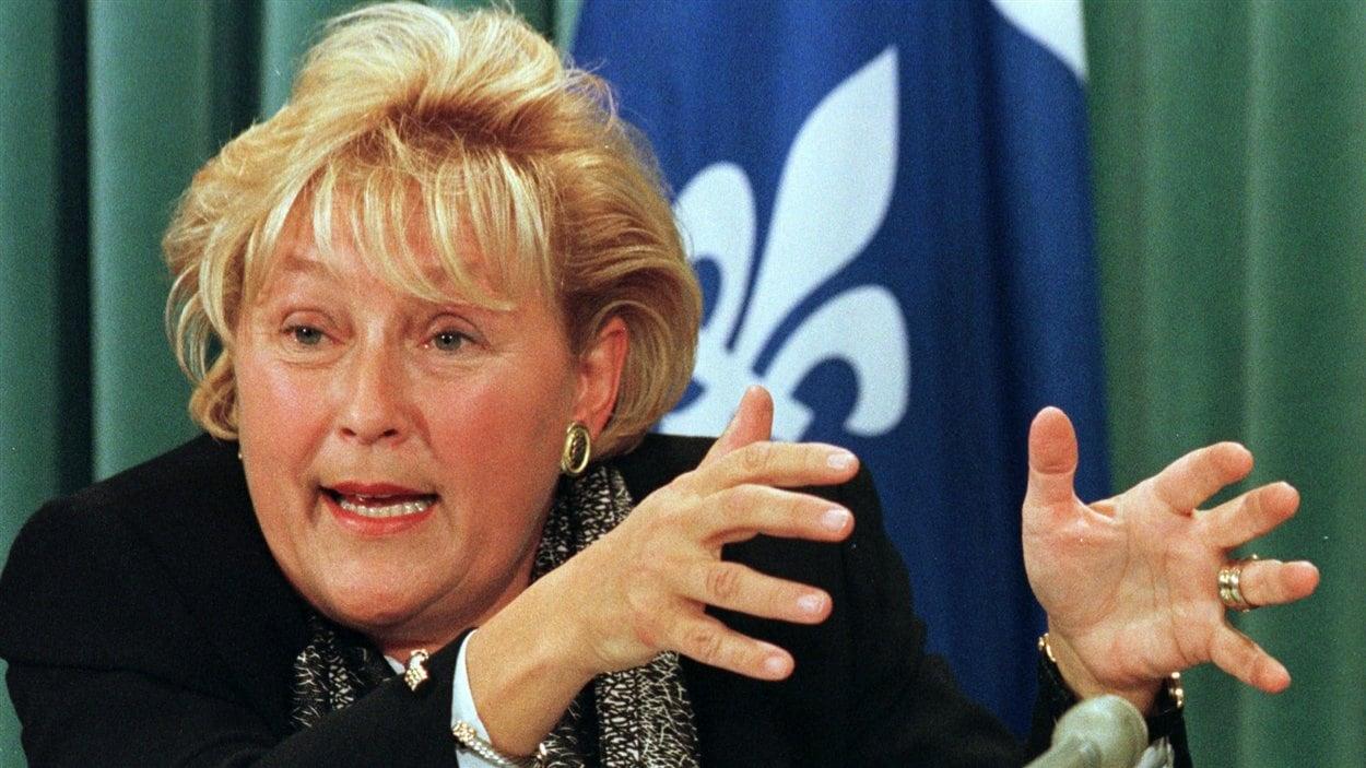 La ministre de la Santé, Pauline Marois. (1999)