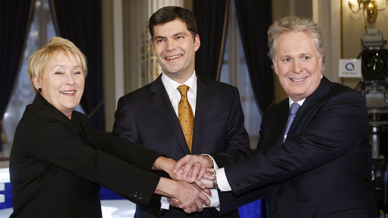 Pauline Marois, Mario Dumont et Jean Charest avant le débat des chefs de la camapgne électorale de 2008.