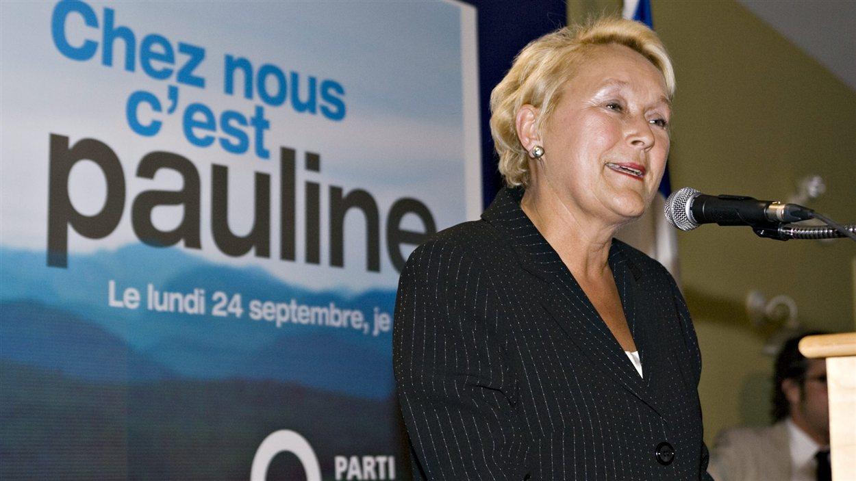 Pauline Marois fait un retour à l'Assemblée nationale en remportant une élection partielle dans la circonscription de Charlevoix. (2007)