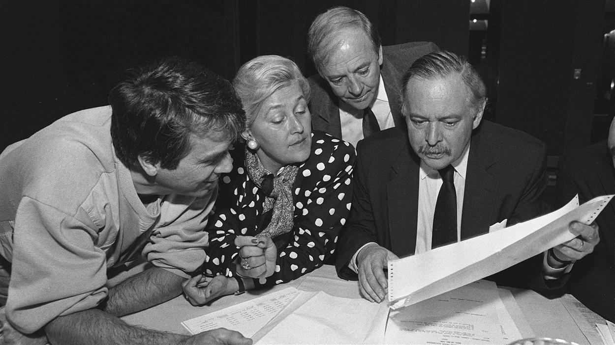 Francois Gendron, Pauline Marois, Guy Chevrette et Jacques Parizeau en 1988.