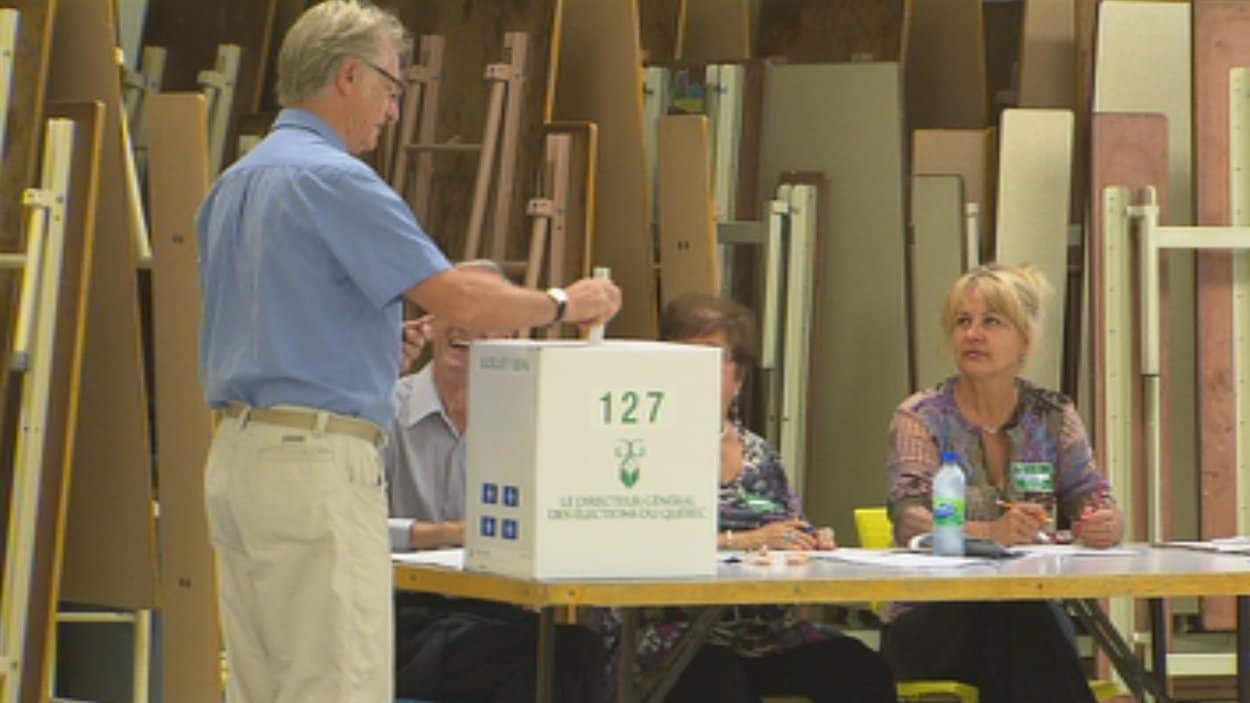 Les bureaux de vote sont ouverts jusqu'à 20 h.