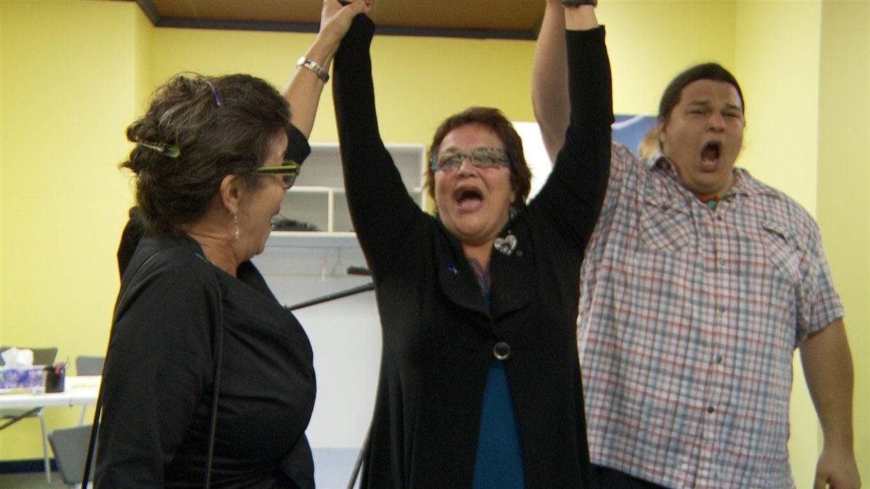La péquiste Élizabeth Larouche, lors de l'annonce de sa victoire dans Abitibi-Est