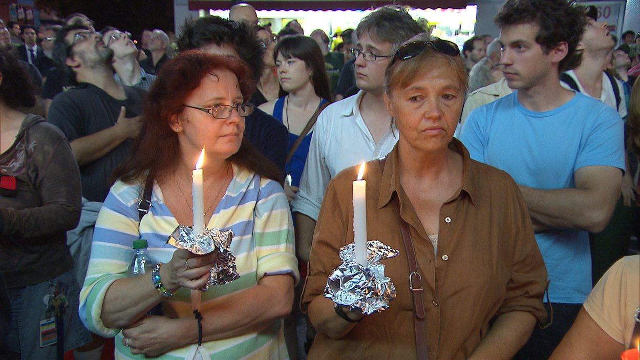 Hommage aux victimes du Métropolis