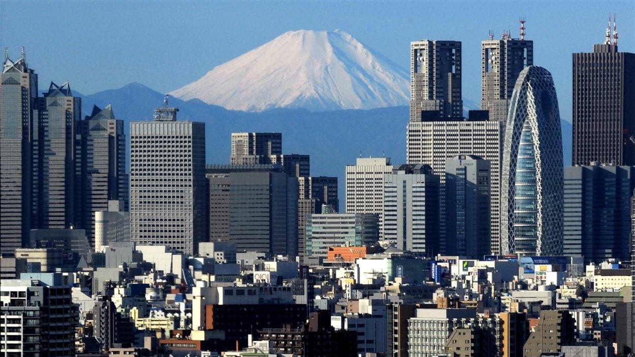Vue de Tokyo, au loin le mont Fuji