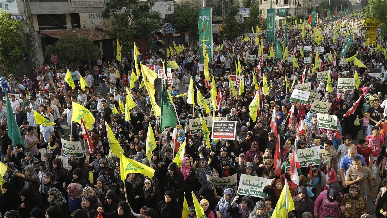 Des dizaines de milliers de personnes ont manifesté contre le film islamophobe dans les rues de Beyrouth, lundi.