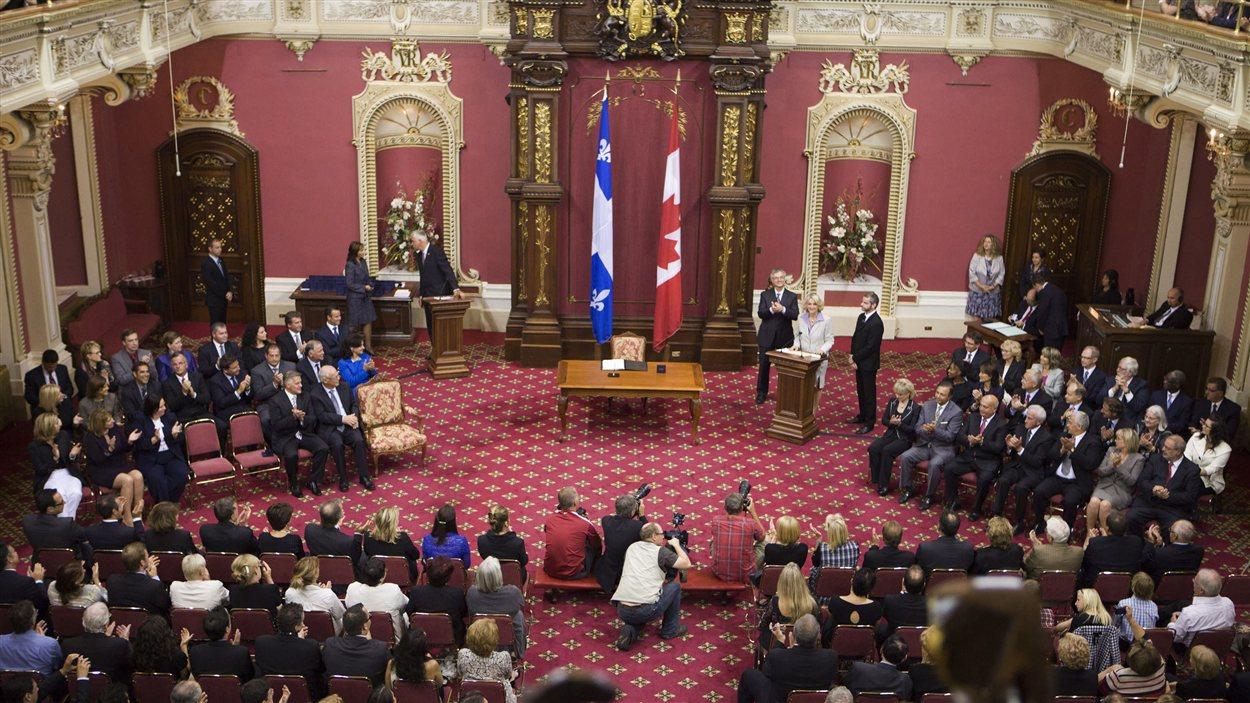 Les 50 députés libéraux sont assermentés à l'Assemblée nationale, mardi après-midi.