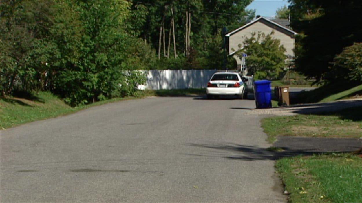 Les policiers ont patrouillé dans le quartier mercredi après-midi.
