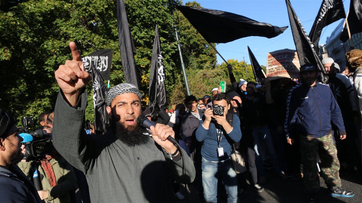 Manifestation de musulmans en Norvège à Oslo devant l'ambassade américaine
