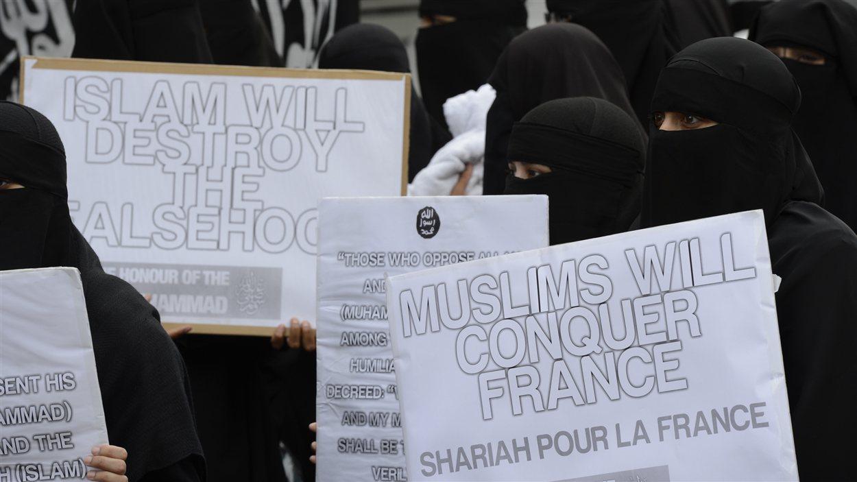 Manifestation à Londres : les caricatures de Charlie Hebdo visées