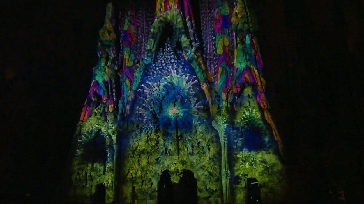 La Sagrada Familia lors du spectacle créé par Moment Factory le 22 septembre, à Barcelone.