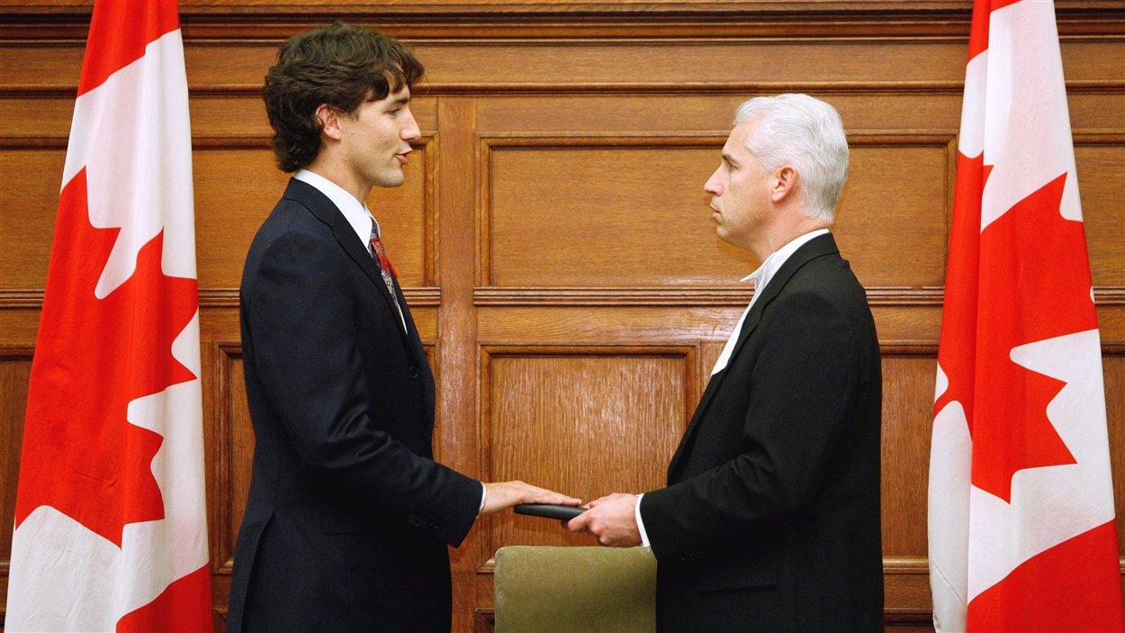 Justin Trudeau prête serment en tant que député de la circonscription de Papineau au Parlement d'Ottawa, le 6 novembre 2008.