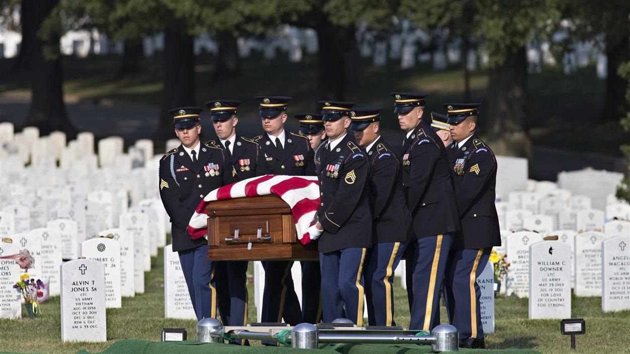 Les funérailles d'une soldate morte en Afghanistan, au Texas.