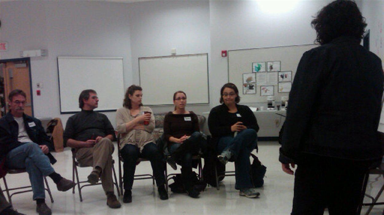Rencontre à Moose Jaw en Saskatchewan, dans le cadre de la série de consultations de l'Assemblée communautaire fransaskoise (ACF) et de l'Institut français, le 4 octobre 2012.