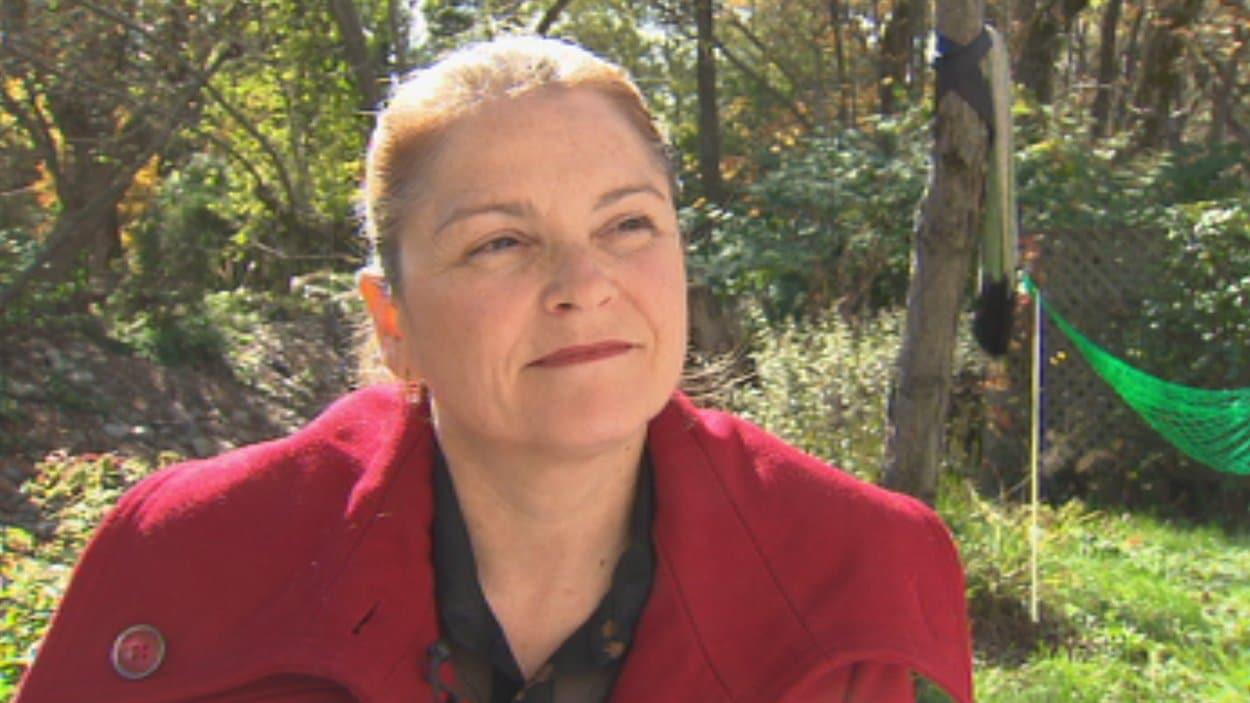 Kathya Heppell compte poursuivre Hydro-Québec si la société d'État va de l'avant avec l'installation de compteurs intelligents.