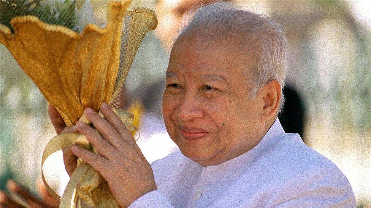 L'ancien roi du Cambodge Norodom Sihanouk lors d'une cérémonie en décembre 2002.