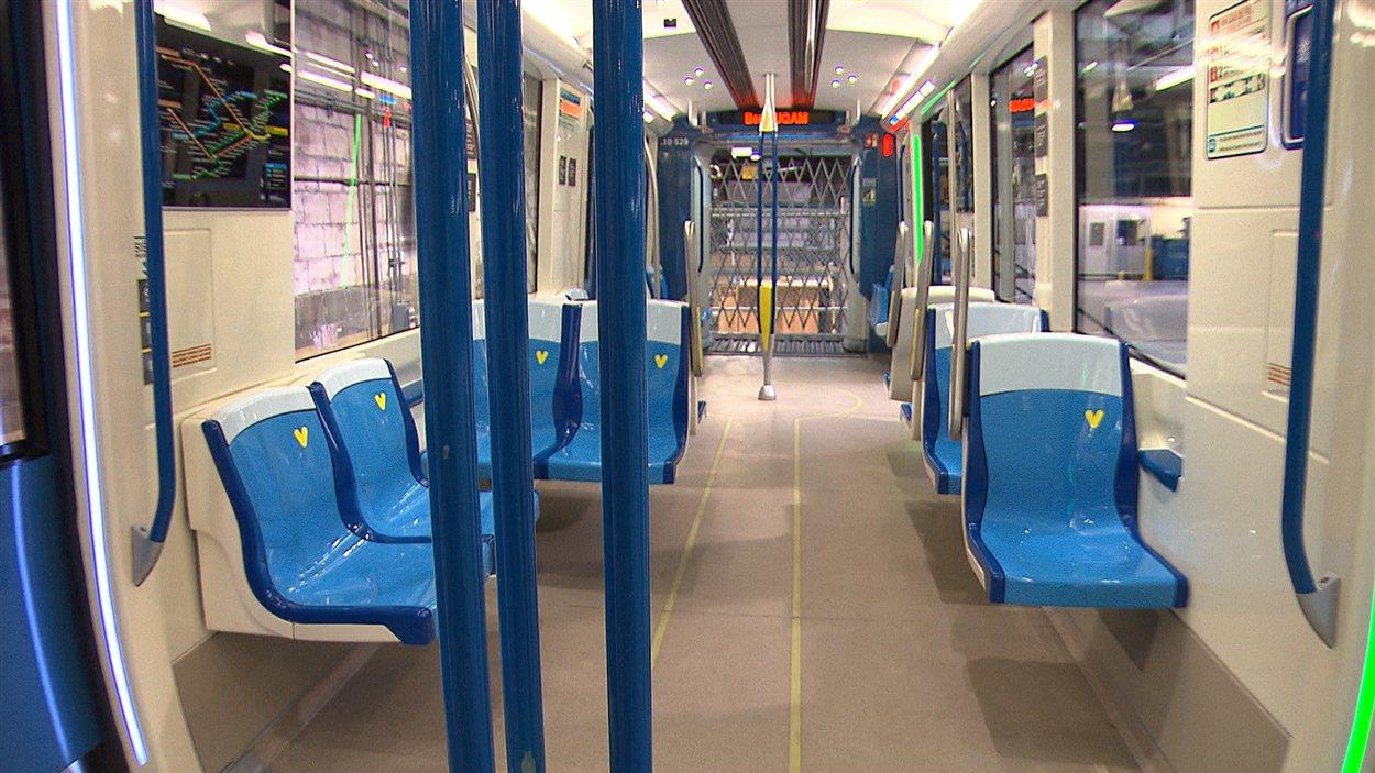Prototype d'une nouvelle voiture du métro de Montréal