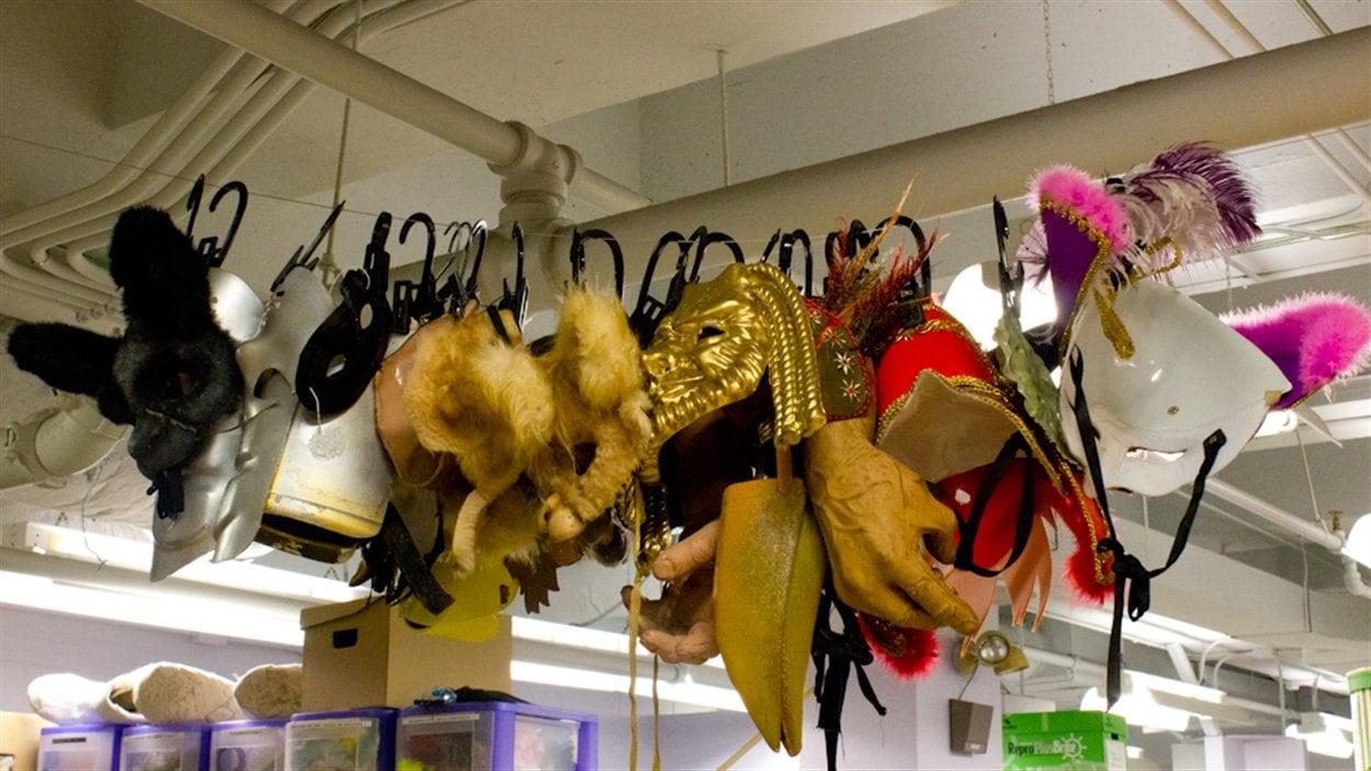 Une petite partie de la collection de masques