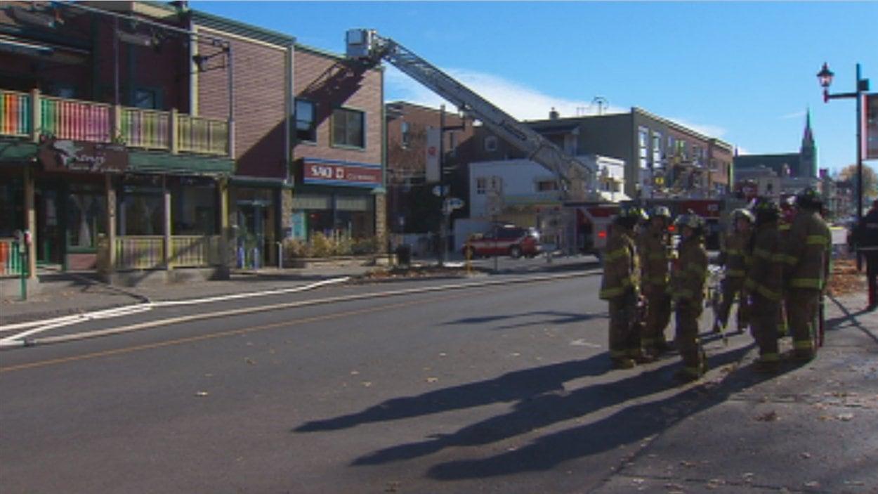 Incendie Majeur Au Centre Ville De Granby Radio Canada Ca