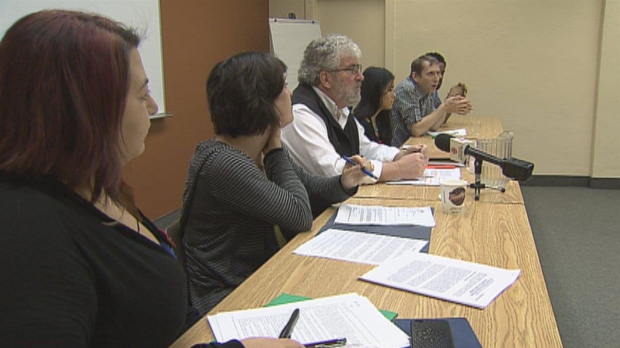 Une trentaine d'organismes réclament une enquête publique sur les interventions policières durant le conflit étudiant.
