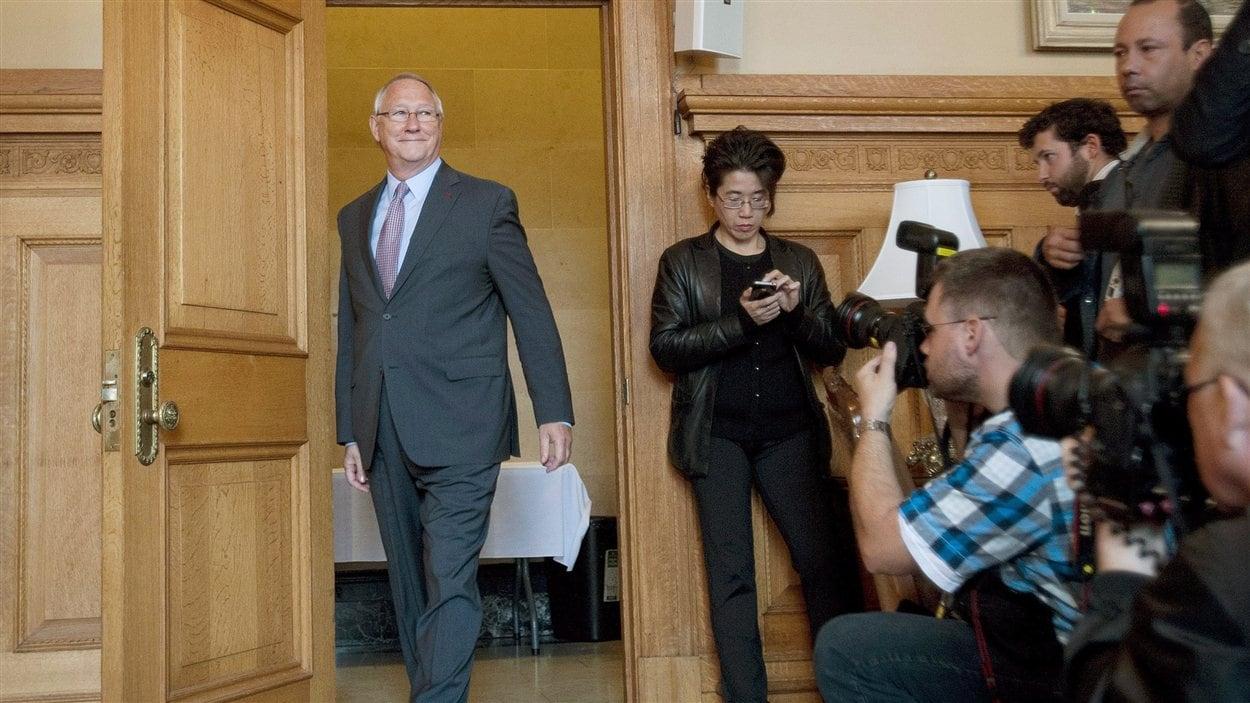 Le maire de Montréal Gérald Tremblay avant une conférence de presse