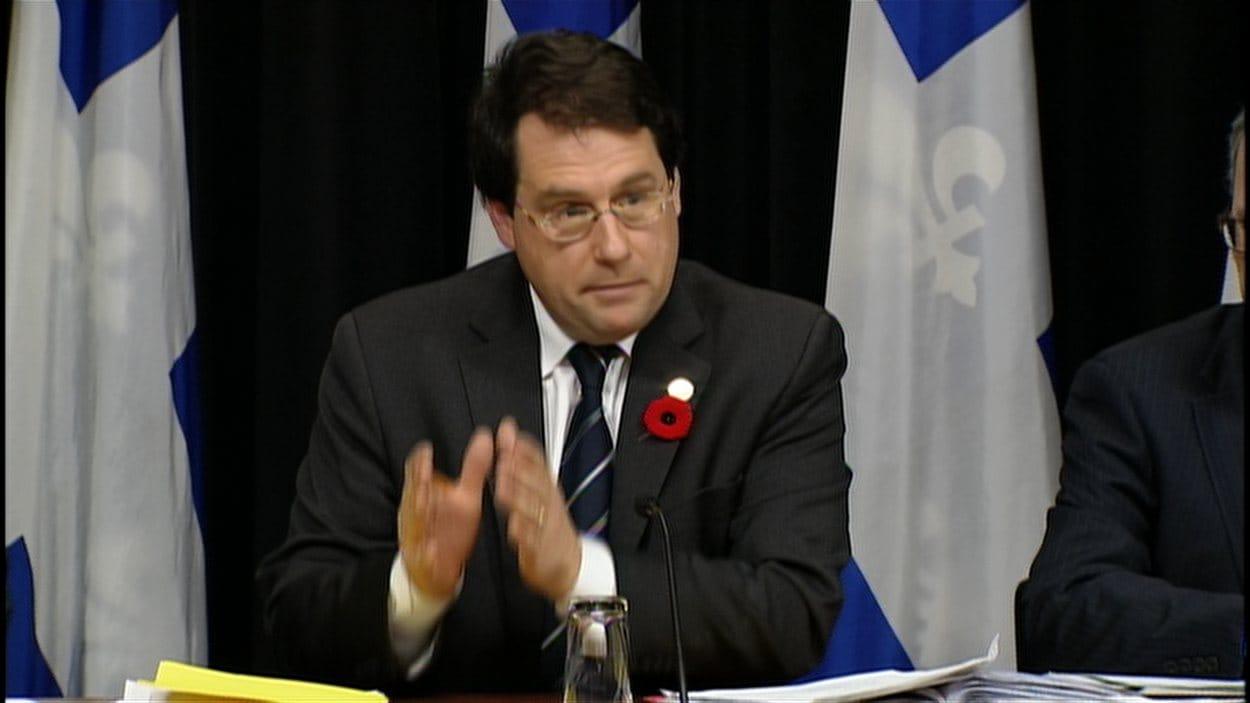 Le ministre Bernard Drainville annonce la teneur du projet de loi 2.
