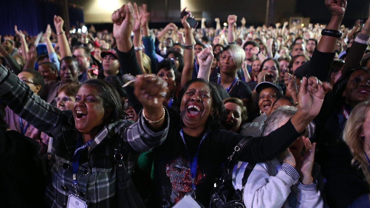 Les partisans de Barack Obama célèbrent à l'annonce des résultats de l'élection présidentielle.