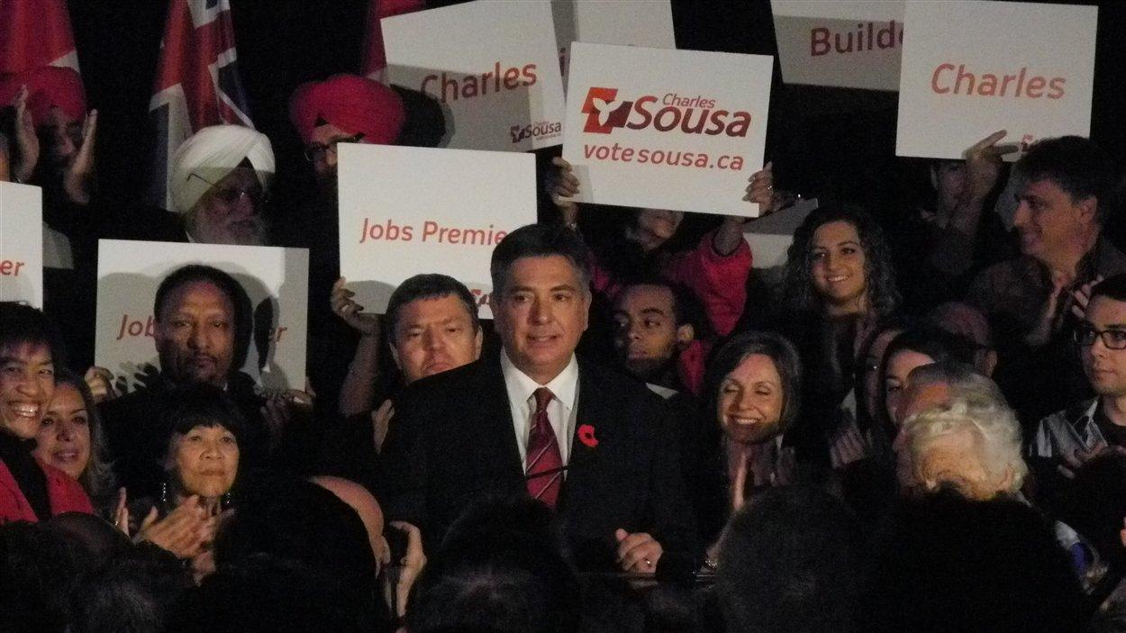 Charles Sousa a annoncé sa candidature à la direction du Parti libéral de l'Ontario à Mississauga.