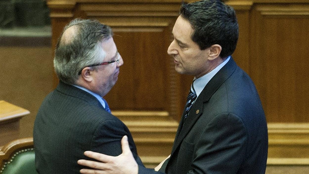 Richard Deschamps et Michael Applebaum se sont serré la main à l'issue de la divulgation des résultats du vote.