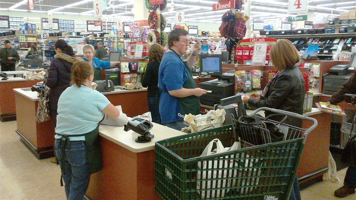 Le prix de certains articles baissera de 50 à 70 % durant les soldes du Black Friday, selon le directeur général du centre commercial de Bangor, James Gertey.