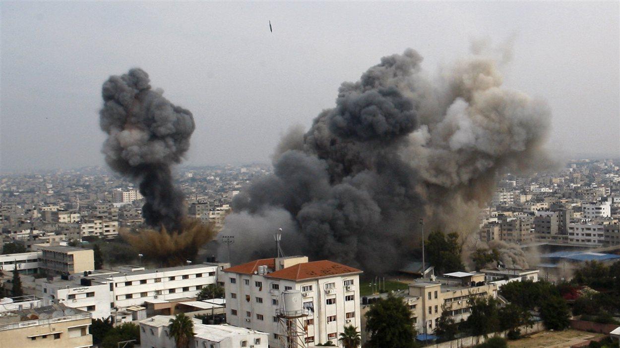 Une attaque aérienne israélienne sur la ville de Gaza le 21 novembre 2012
