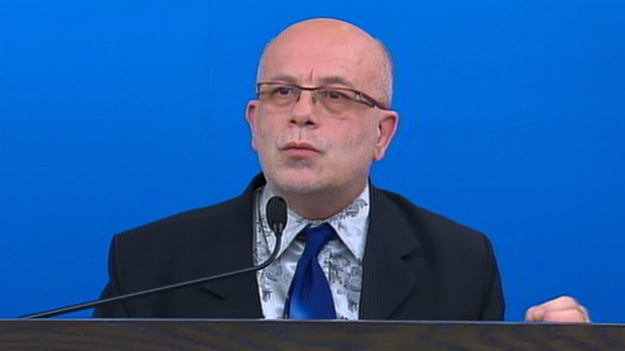 Le président du comité d'experts sur les homicides intrafamiliaux, Gilles Tremblay