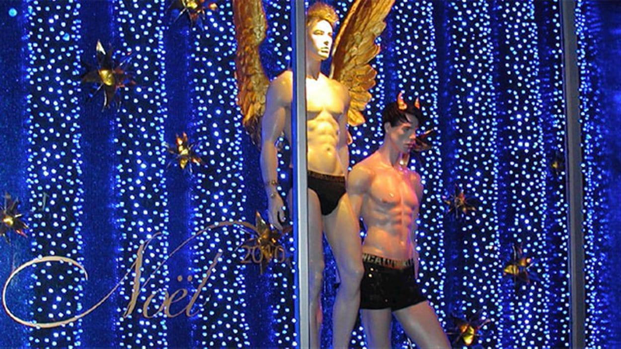 La vitrine de Noël de Priape réalisée par Étalage B