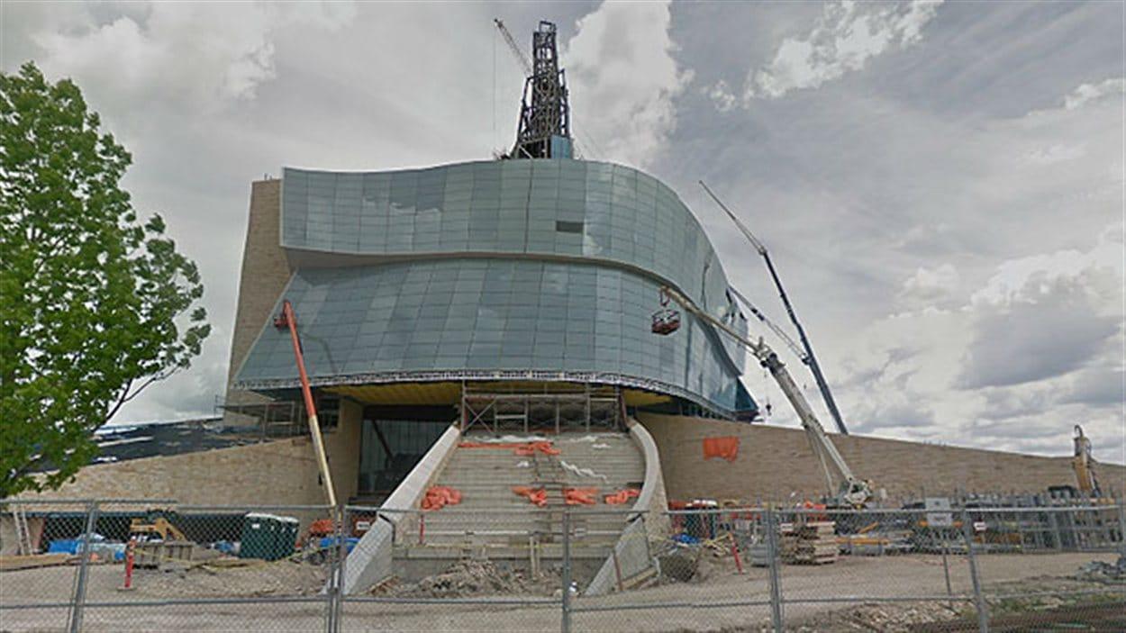 Les travaux de construction du  Musée canadien pour les droits de la personnes ont commencé en 2009.