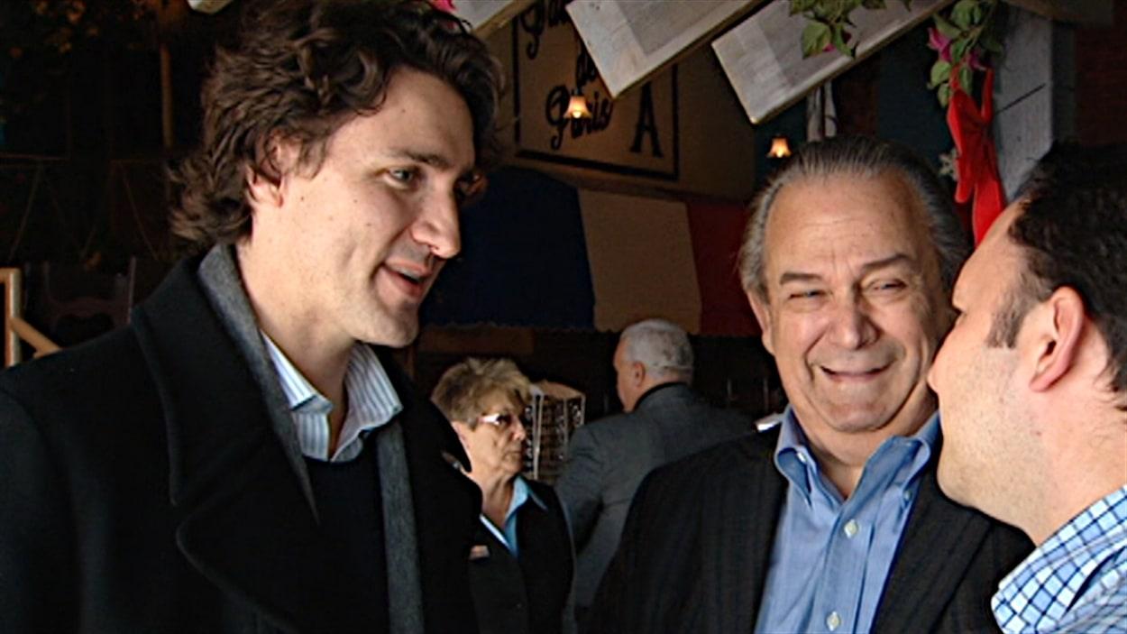 Le candidat à la course à la direction du Parti libéral du Canada, Justin Trudeau, a rencontré des Gatinois, dont l'ex-député Marcel Proulx.