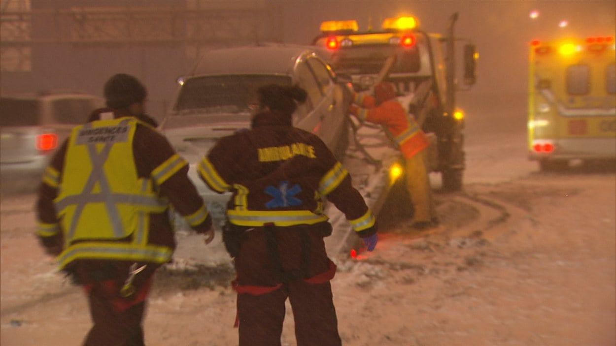 Accident sur la 720 ouest à Montréal