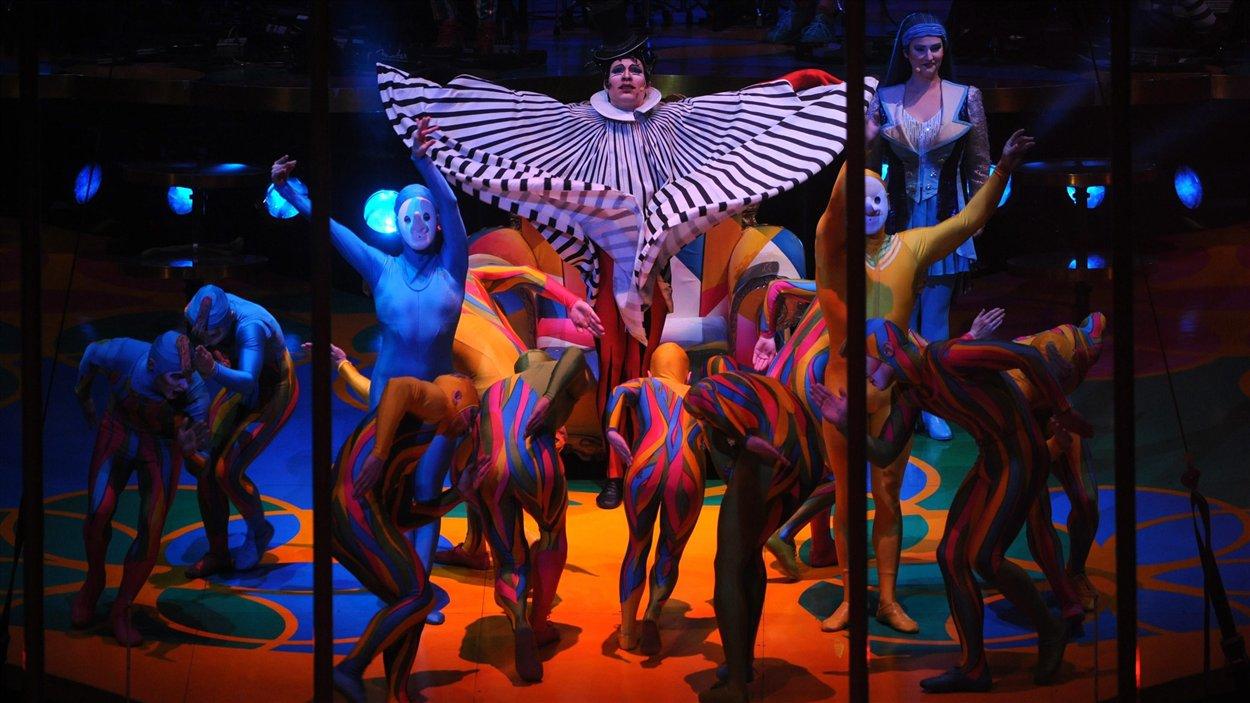 Le spectacle Saltimbanco, du Cirque du Soleil