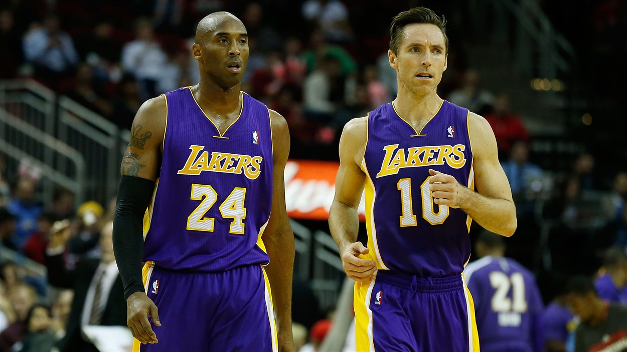 Kobe Bryant (no 24) et Steve Nash (no 10)