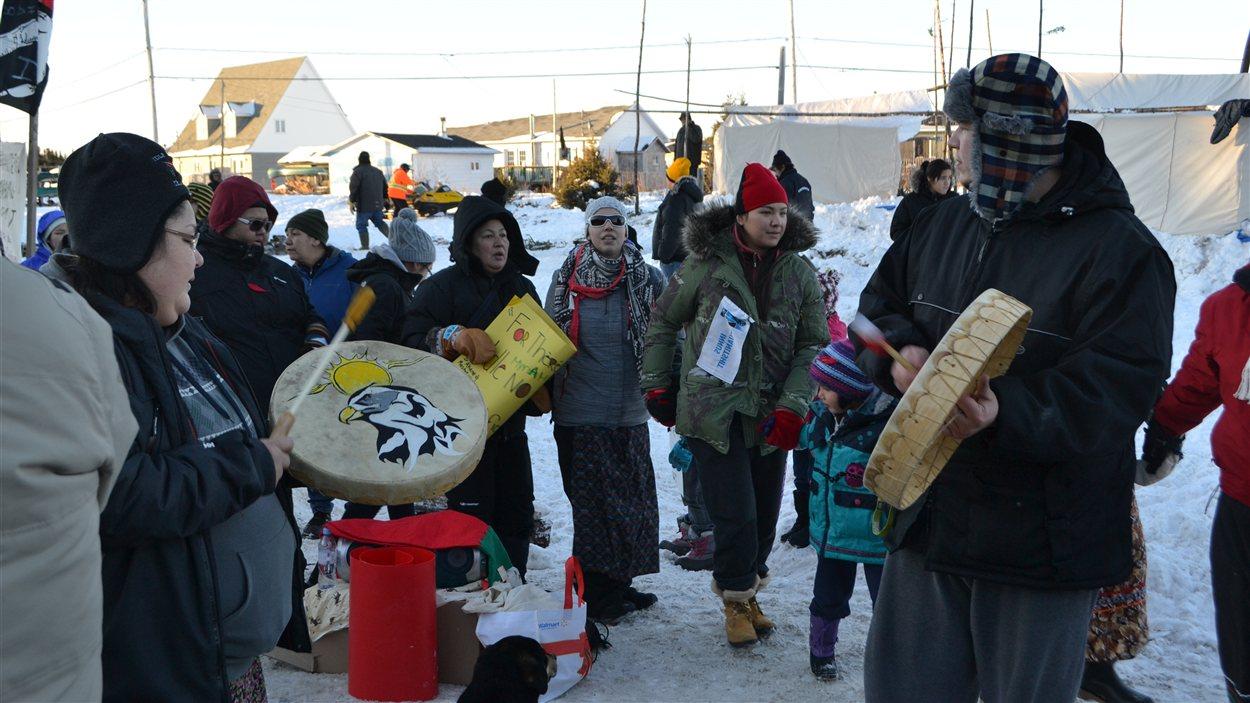 Manifestation dans la communauté innue de Mingan, sur la Côte-Nord