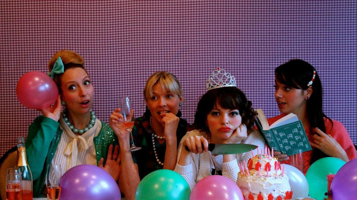Du 15 janvier au 2 février 2013, le théâtre Premier Acte présente la pièce Charme de l'auteure Joëlle Bond.