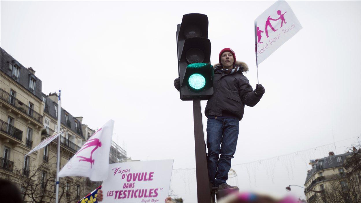 Manifestation contre le mariage gai à Paris, dimanche