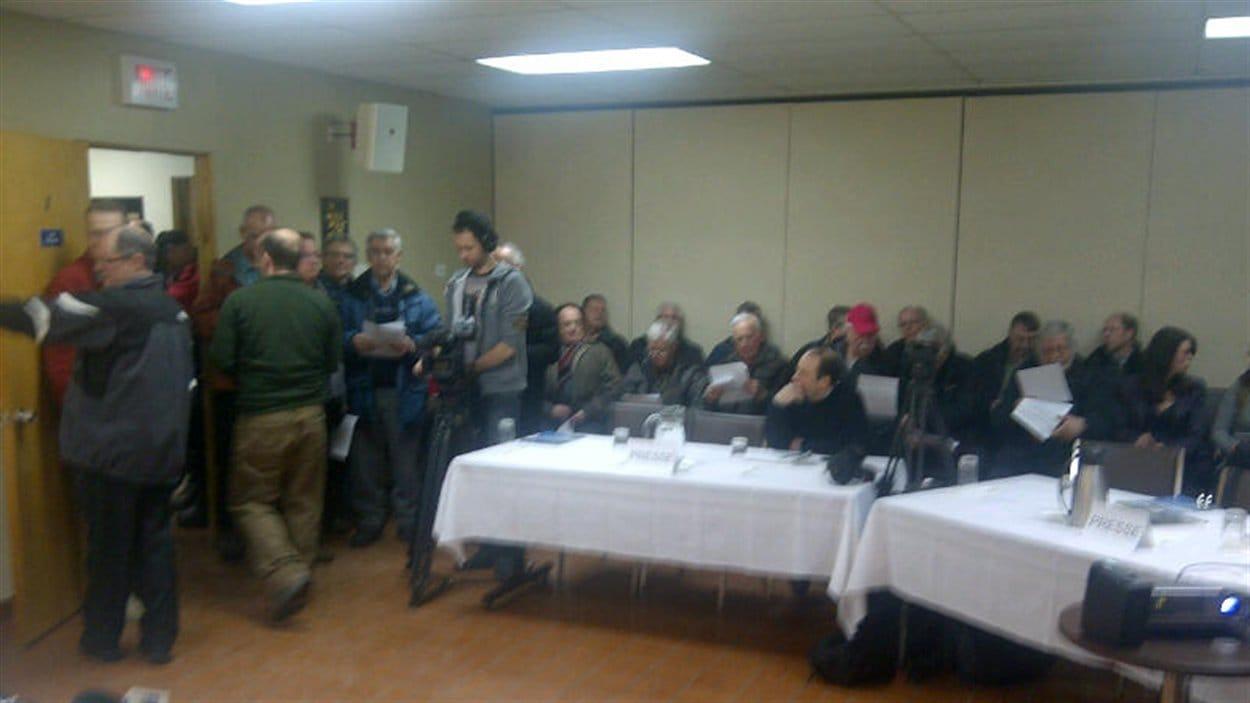 Conférence de presse de la Ville de Gaspé sur le développement gazier et pétrolier.