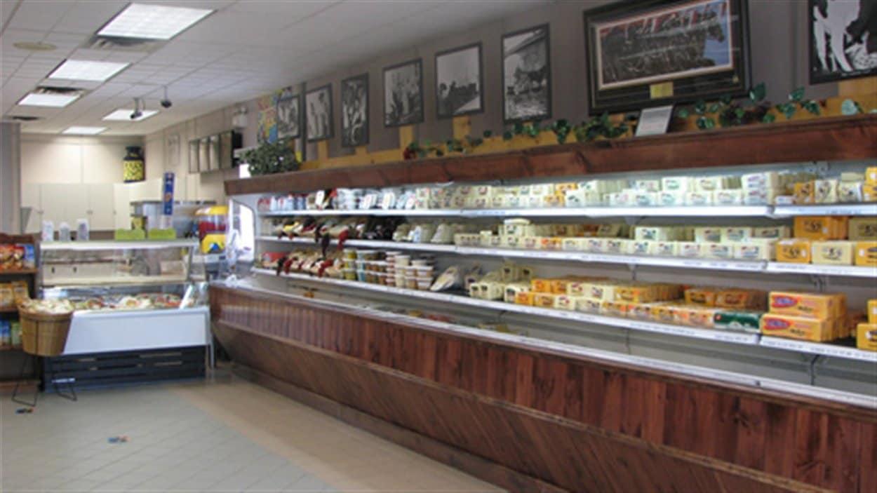 L'intérieur de la fromagerie St-Albert.