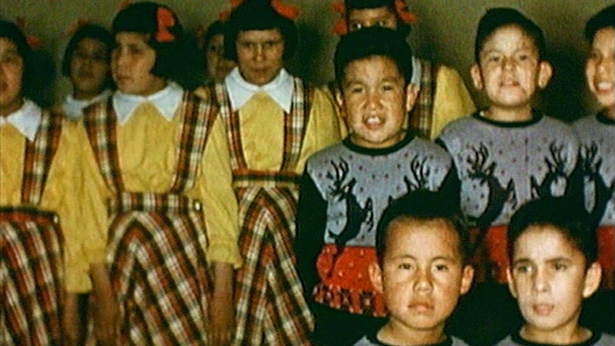 Des enfants autochtones du pensionnat de Saint-Marc-de-Figuery