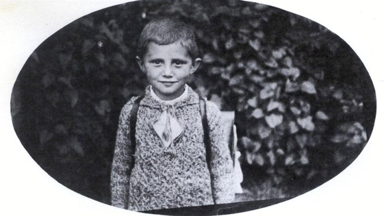 Photo d'école de Joseph Ratzinger en Allemagne à la fin de 1932, à l'âge de 5 ans