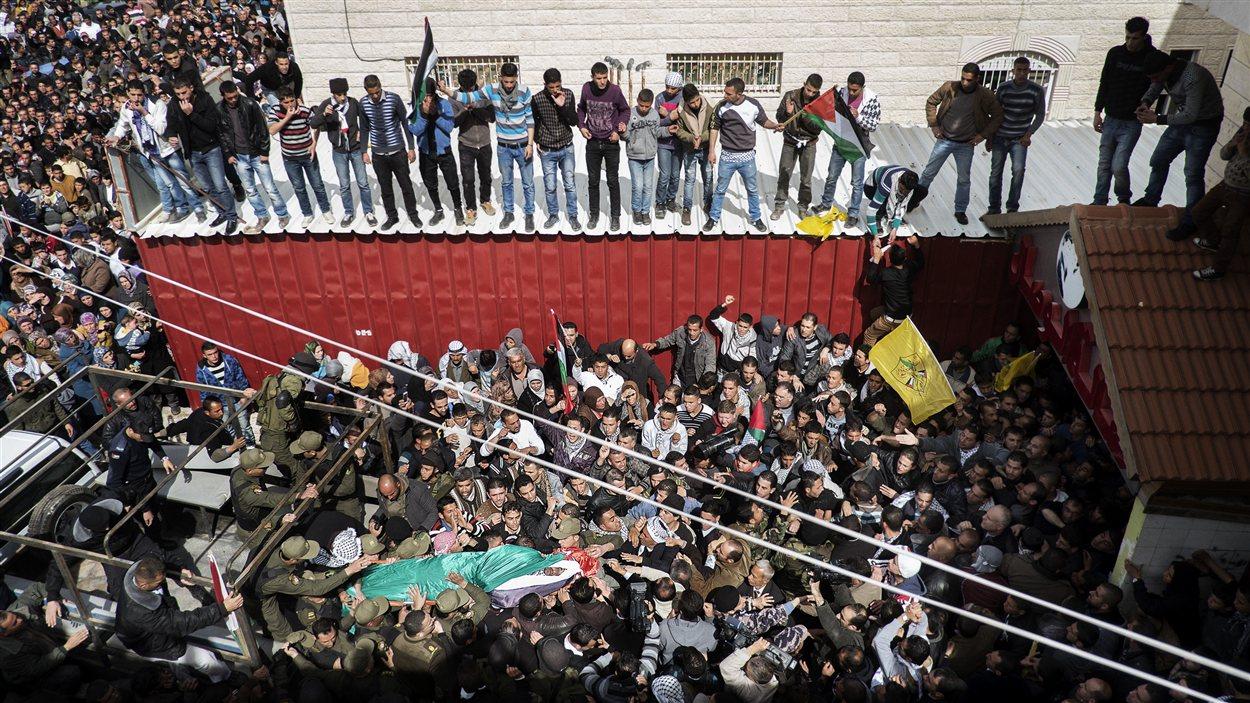 Les obsèques d'Arafat Jaradat dans son village