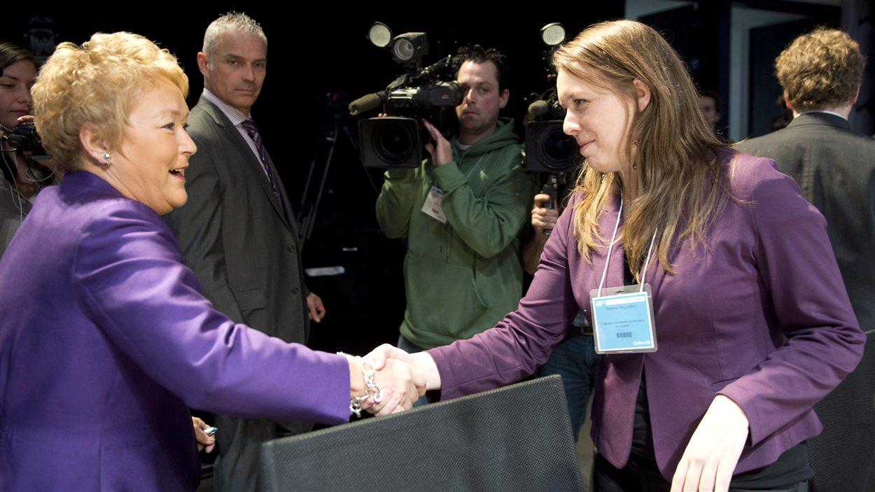 La première ministre Pauline Marois et la présidente de la FEUQ, Martine Desjardins