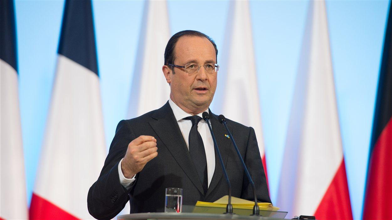Le président français, François Hollande, lors d'une conférence de presse à Varsovie en Pologne